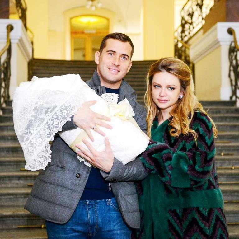 «Что он себе позволяет?»: Александр Кержаков забрал сына у своей жены Миланы