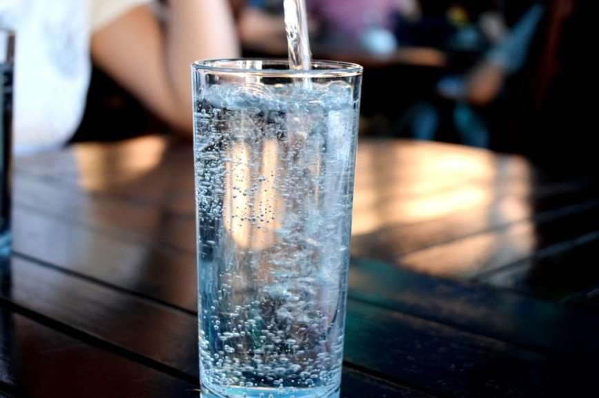 Простая арифметика: Александр Мясников объяснил, сколько нужно пить воды