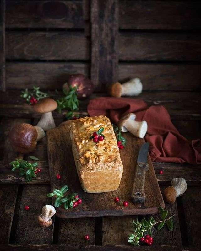 Праздничное меню: паштет из телячьей печени с белыми грибами в тесте