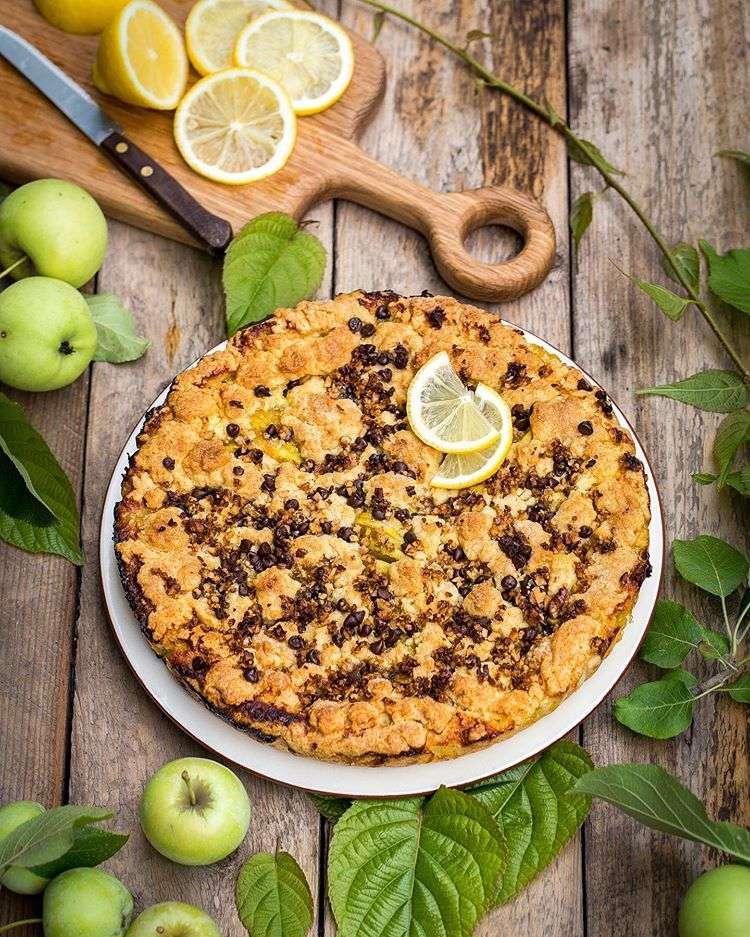 Добавьте кислинки! Чудесный пирог с яблоками, лимоном и апельсином