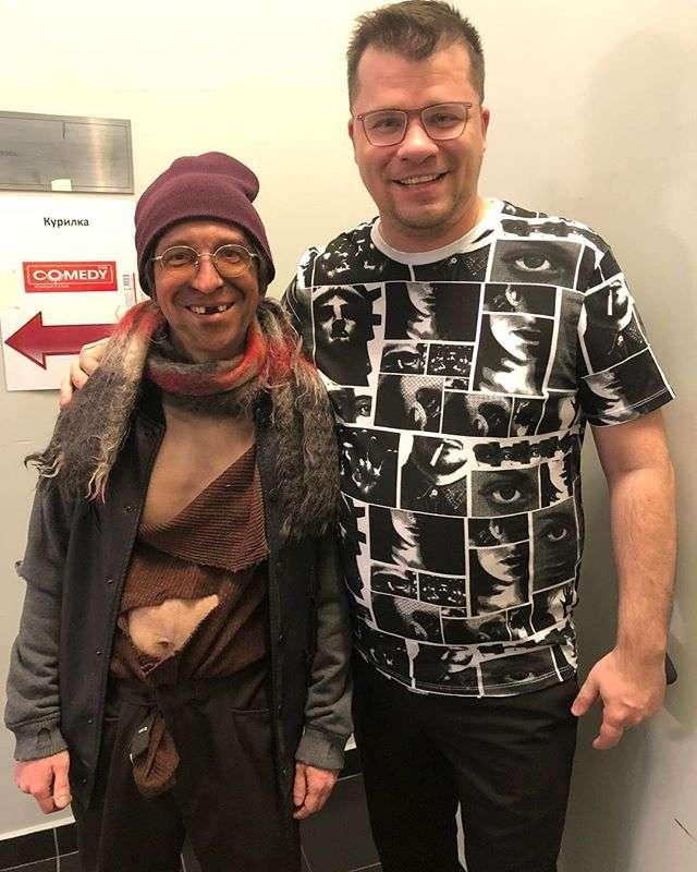 «Это старость, Гарик!»: Харламов рассказал о своей болезни
