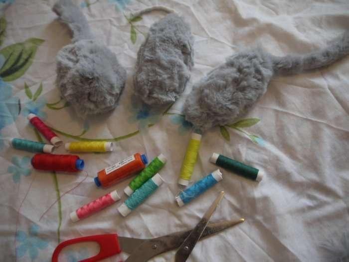 Шьем мышей для своих любимцев
