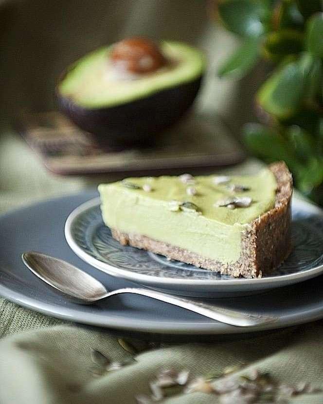 Вкусно без выпекания: тарт с авокадо и лаймом