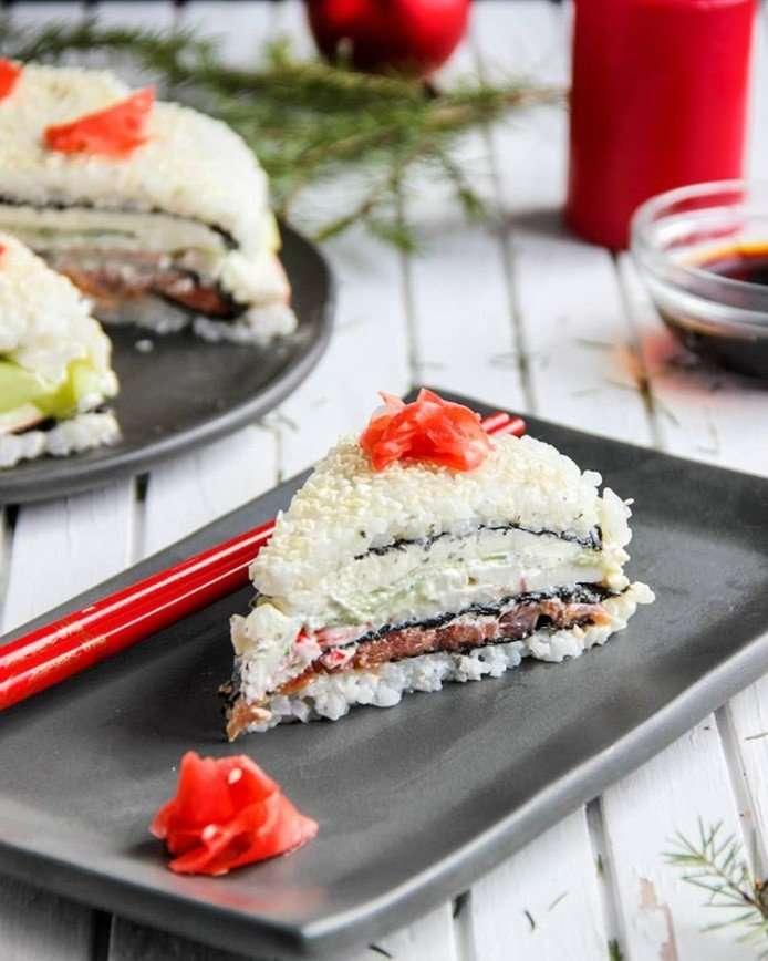 Японский ролл для ленивых: готовим слоеный суши-торт