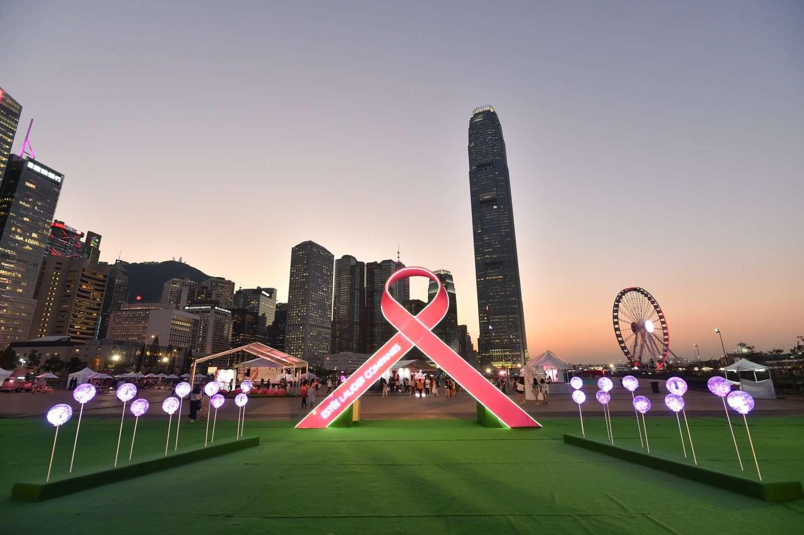 Estée Lauder Companies запустила кампанию по борьбе с раком груди 2019
