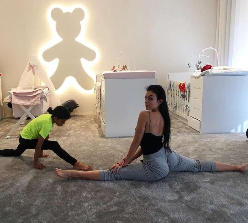 Возлюбленная Криштиану Роналду продемонстрировала фигуру после родов