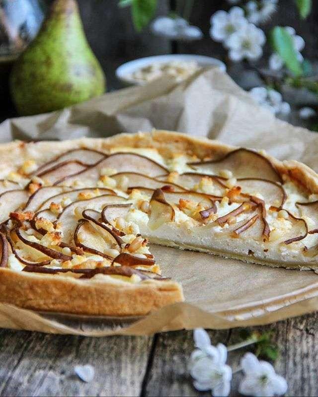 Готовьте и наслаждайтесь: тарт с адыгейским сыром и грушами