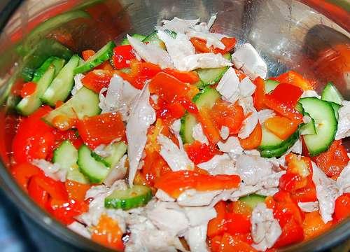 Салат курочка с маслинкой