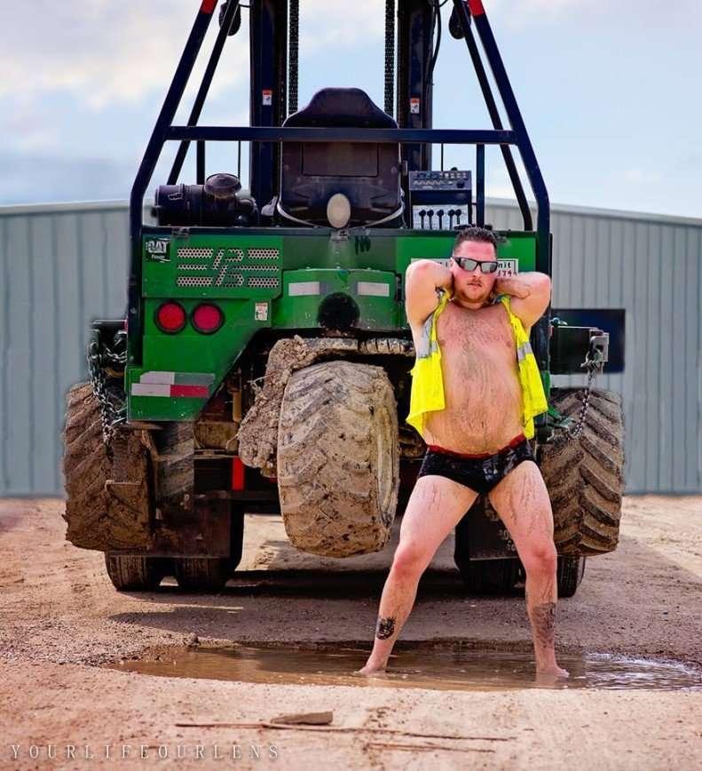 Горячий техасский парень устроил пикантную фотосессию