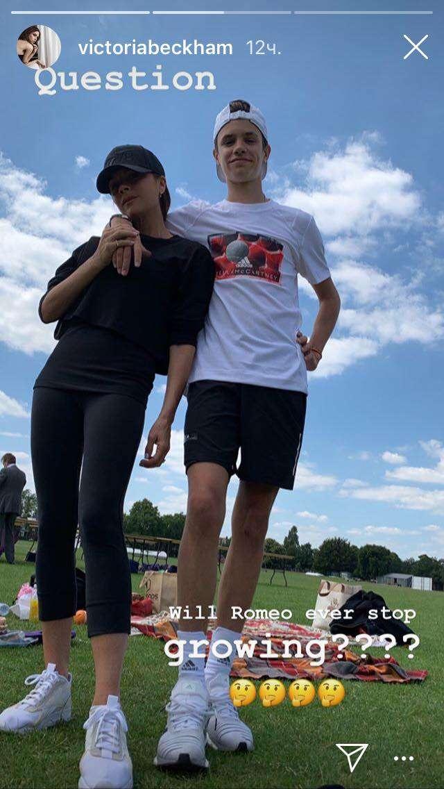 Спортивный день: семейство Бекхэмов устроило пикник у футбольного поля
