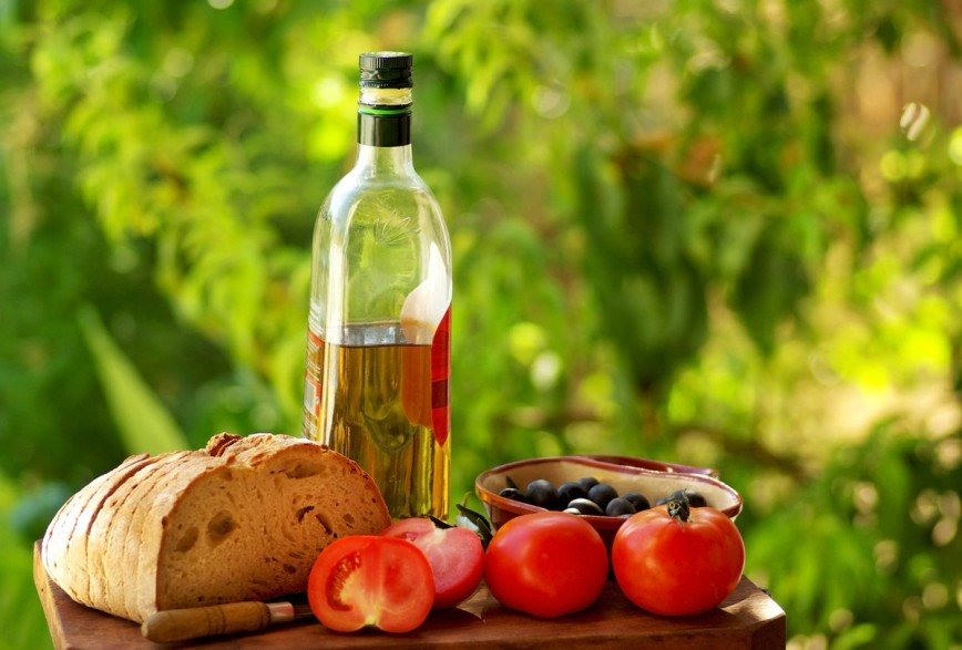 Средиземноморская диета названа самой эффективной в 2019 году