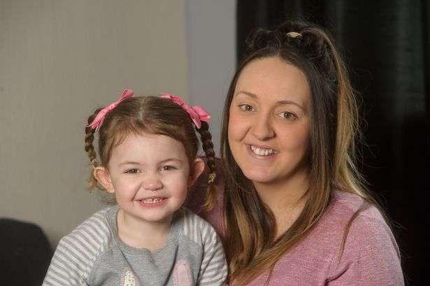 Двухлетняя американка спасла маме жизнь с помощью смартфона