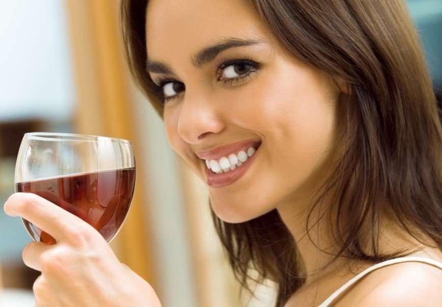 Алкоголь и зубы – вечная борьба